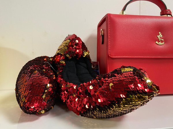Soakers red & gold sequin